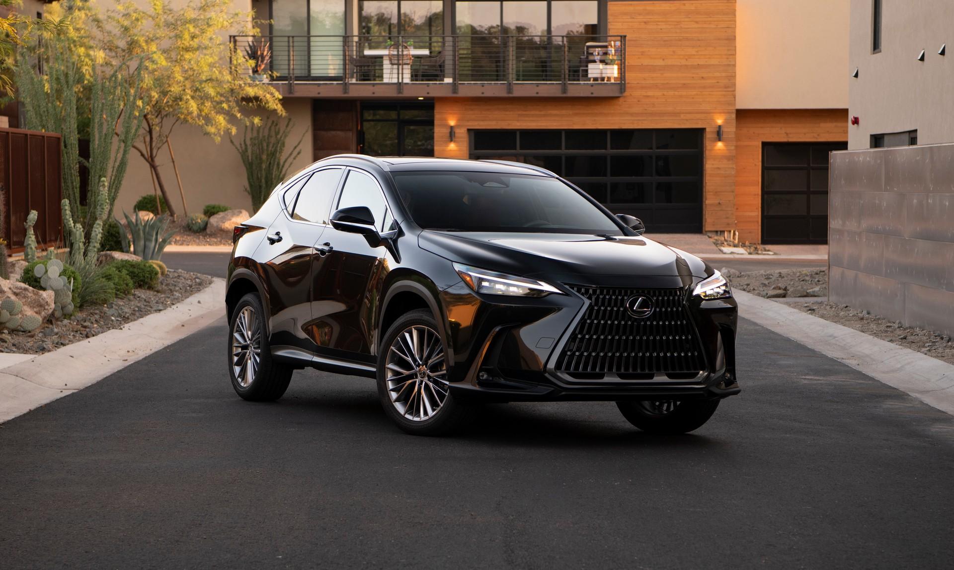 Lexus NX 2022 phiên bản mới sẽ có giá bán dao động từ 37.950 USD - 55.560 USD
